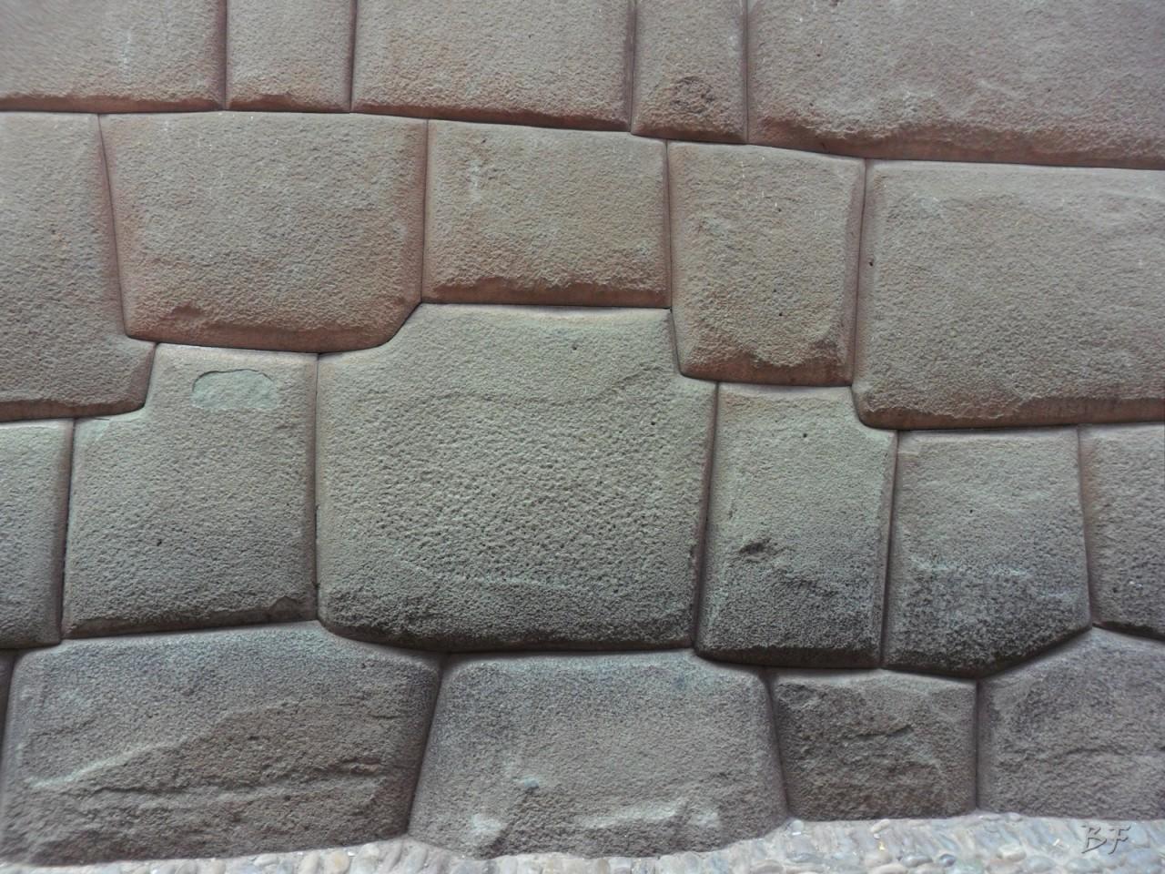 Mura-Poligonali-Megaliti-Cusco-Perù-69