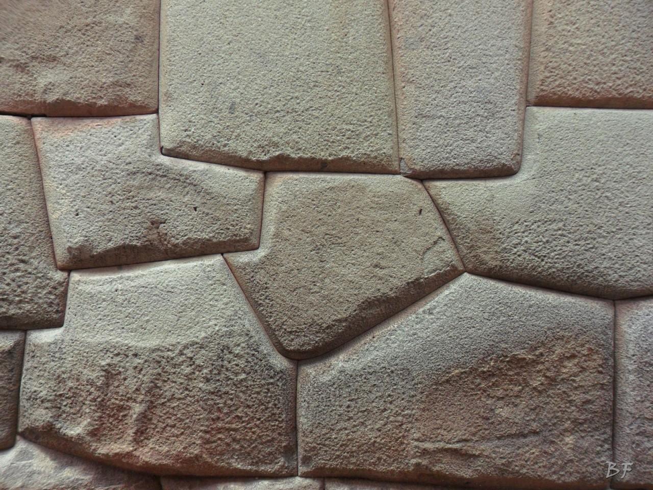 Mura-Poligonali-Megaliti-Cusco-Perù-70