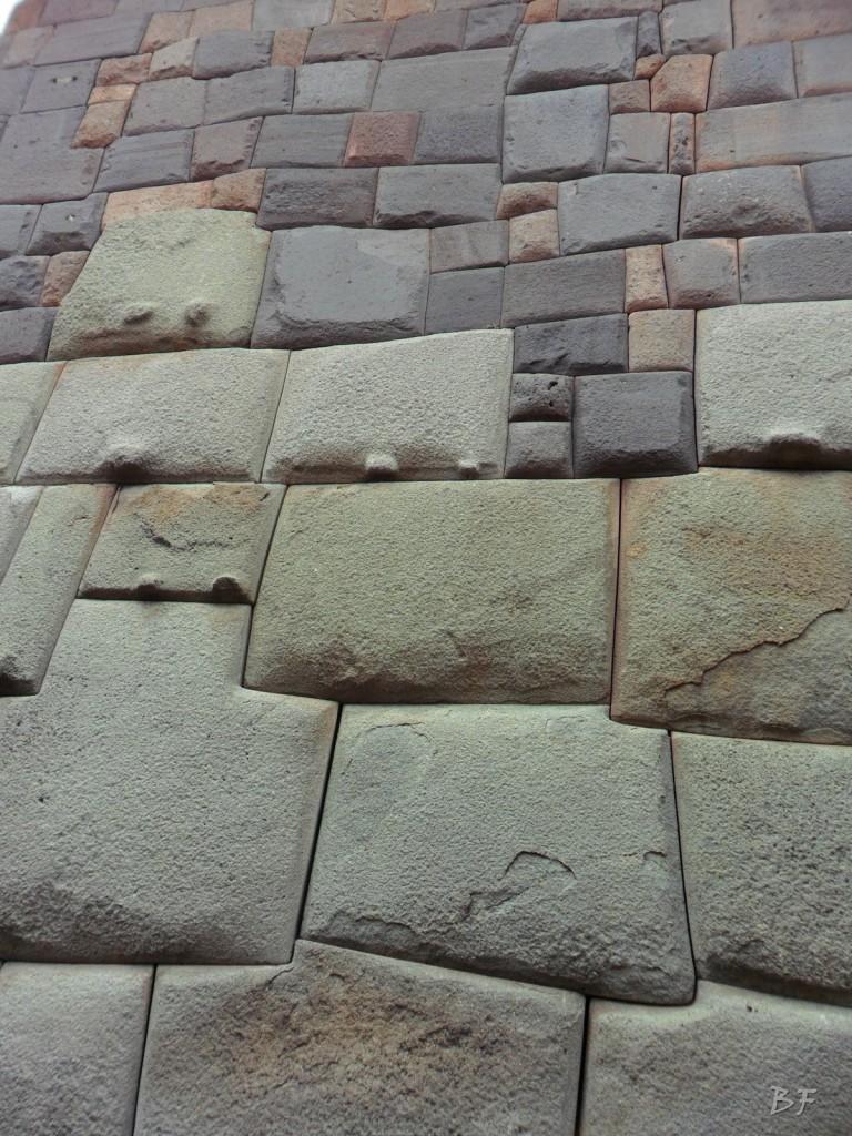 Mura-Poligonali-Megaliti-Cusco-Perù-77