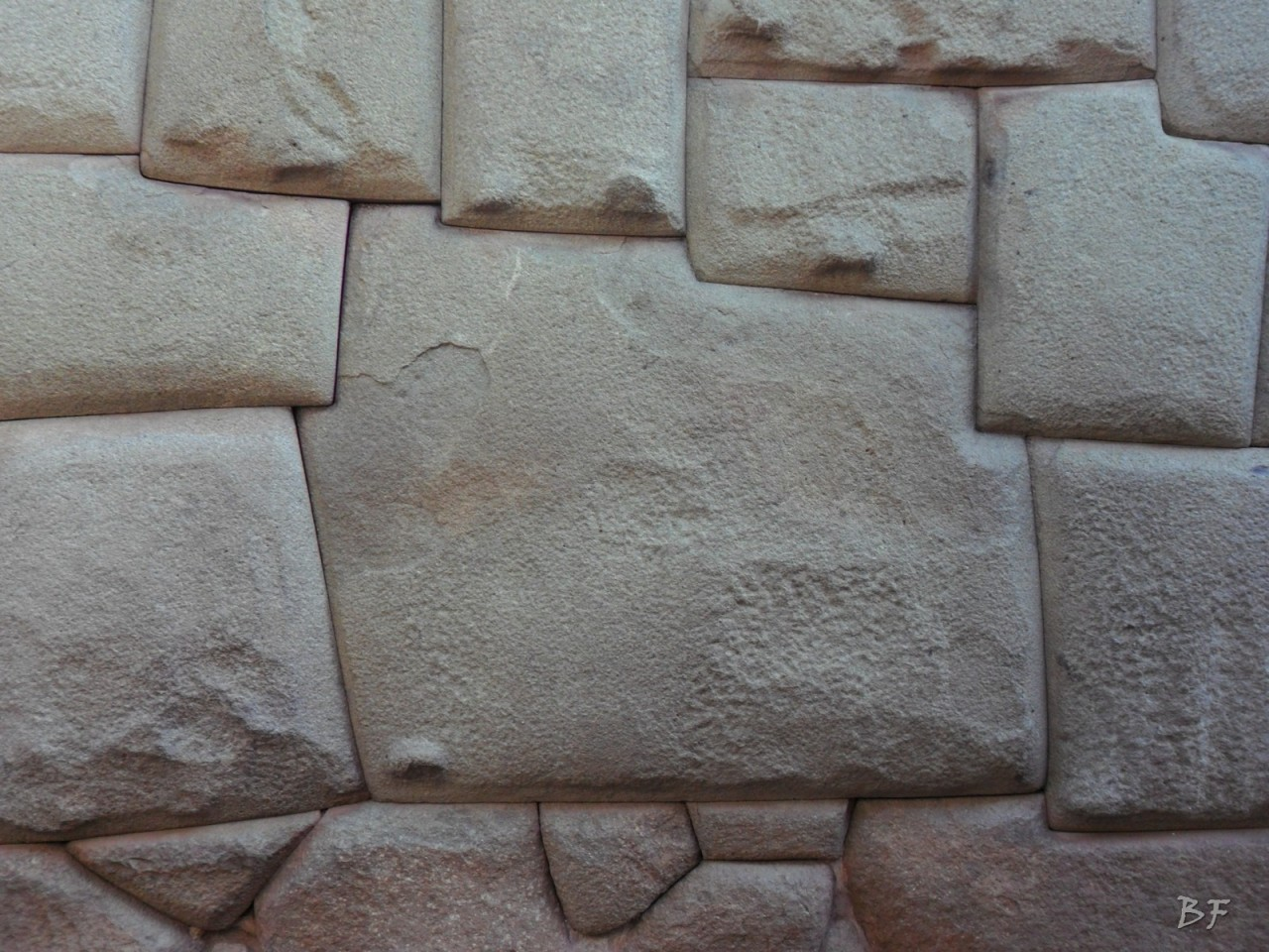 Mura-Poligonali-Megaliti-Cusco-Perù-8