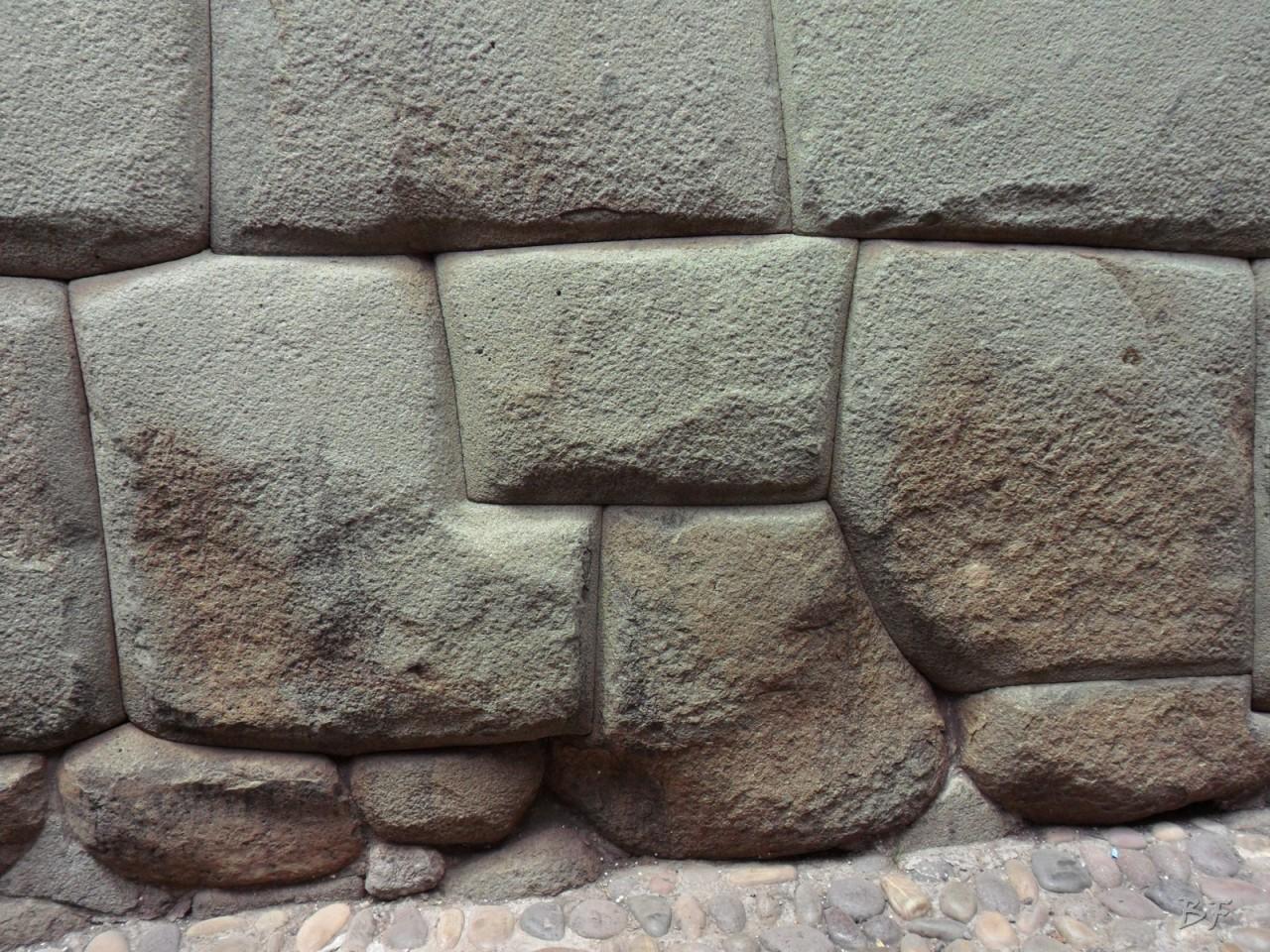 Mura-Poligonali-Megaliti-Cusco-Perù-82