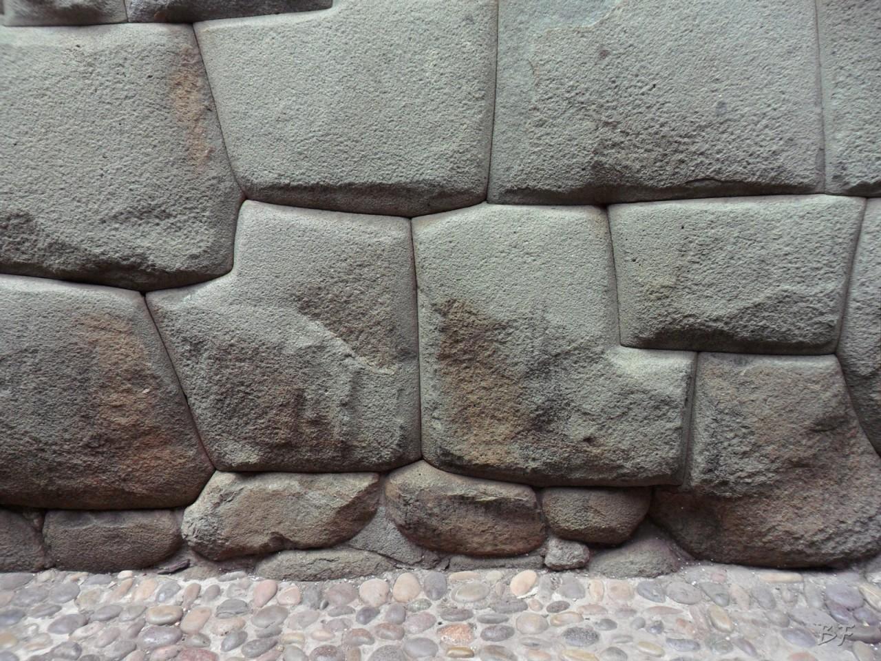 Mura-Poligonali-Megaliti-Cusco-Perù-83