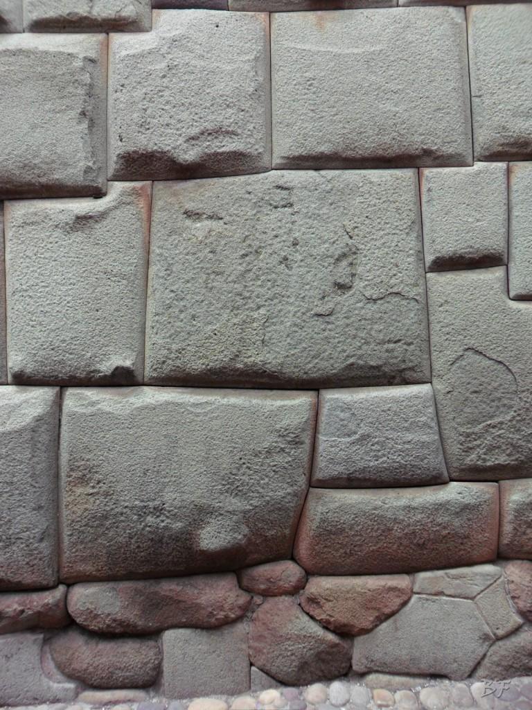 Mura-Poligonali-Megaliti-Cusco-Perù-85