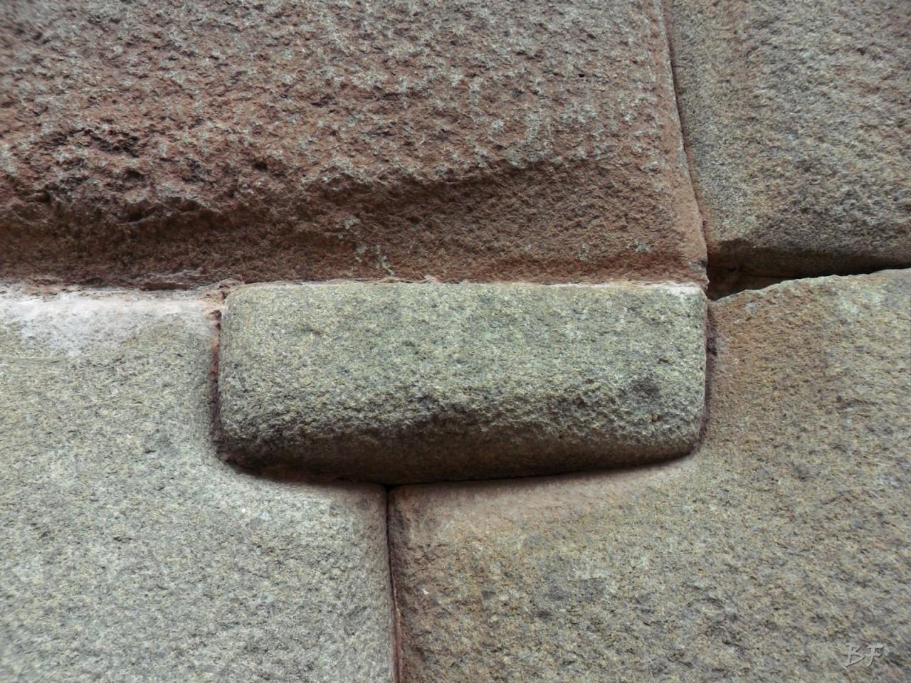 Mura-Poligonali-Megaliti-Cusco-Perù-89