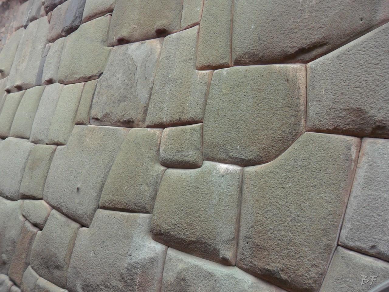 Mura-Poligonali-Megaliti-Cusco-Perù-90