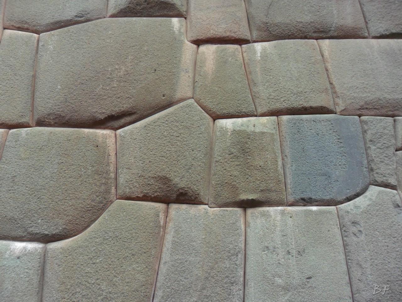 Mura-Poligonali-Megaliti-Cusco-Perù-92