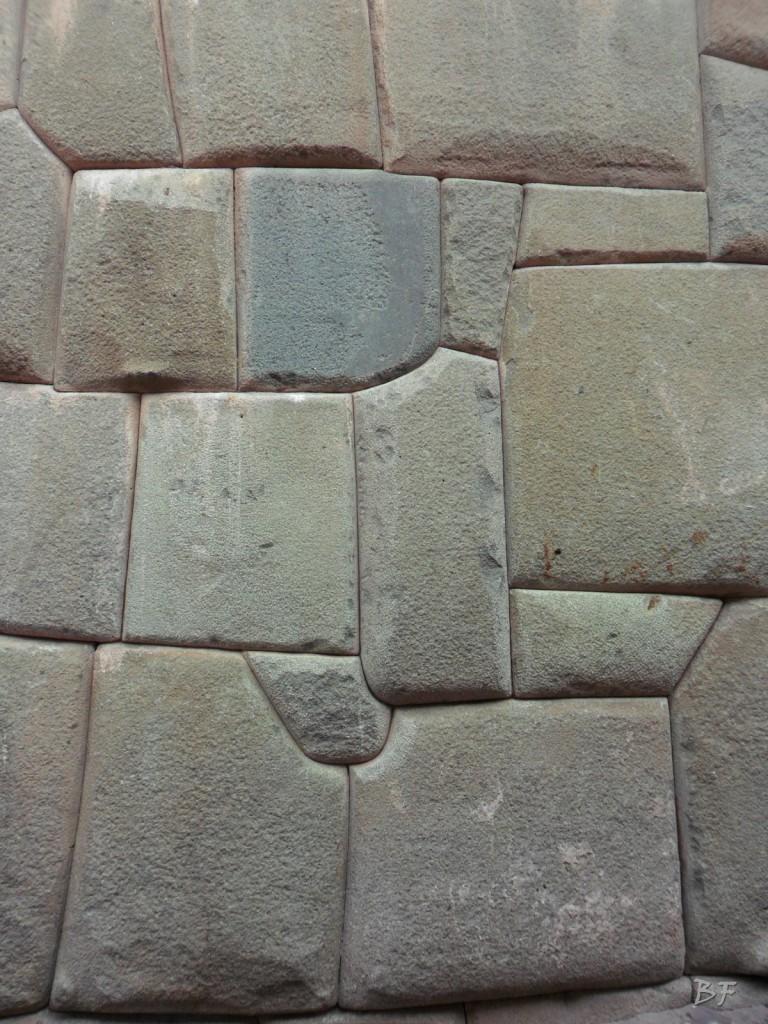 Mura-Poligonali-Megaliti-Cusco-Perù-93