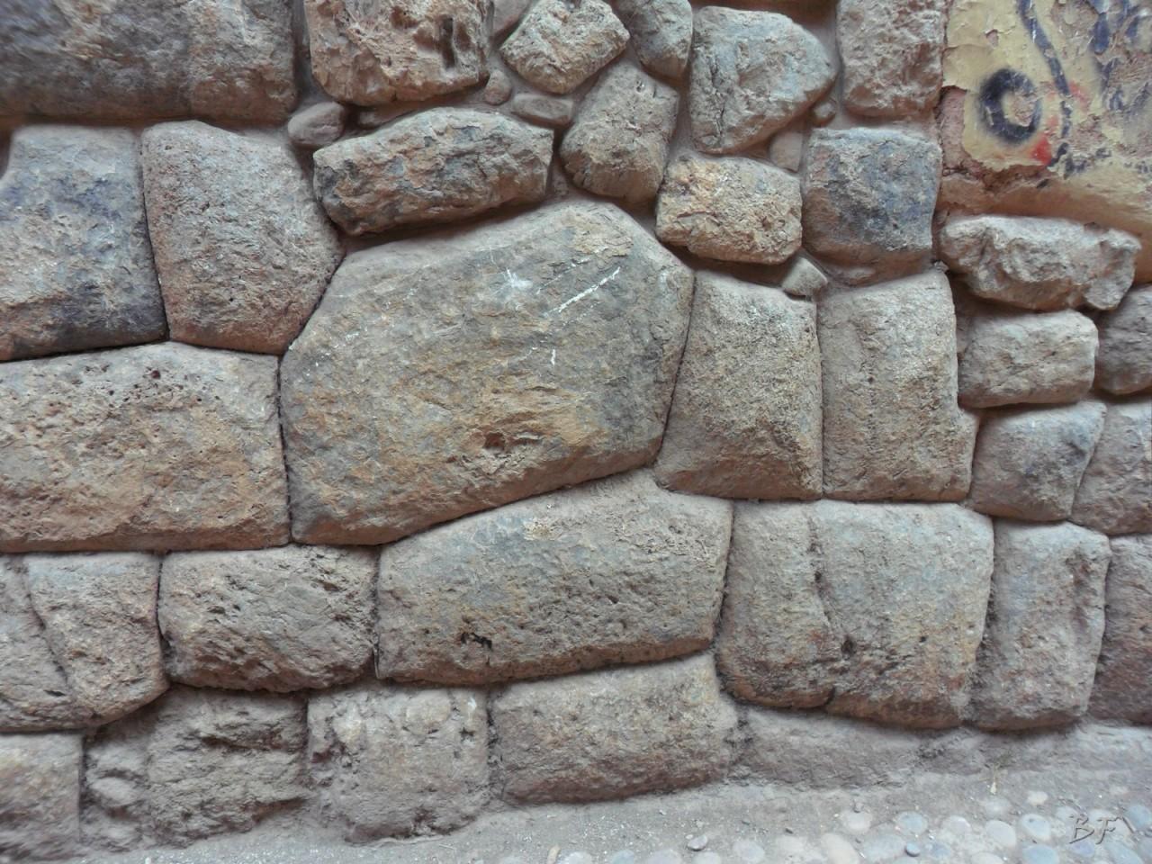 Mura-Poligonali-Megaliti-Cusco-Perù-97