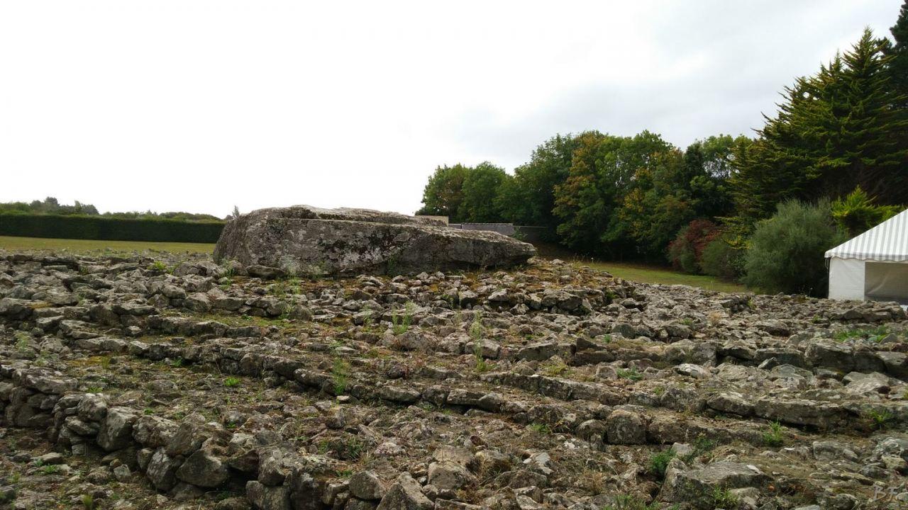 Cairn-Tumulus-dEr-Grah-Bretagna-Francia-1