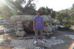 Dolmen-Li-Scusi-Minervino-Megaliti-Salento-Lecce-Puglia-Italia-4