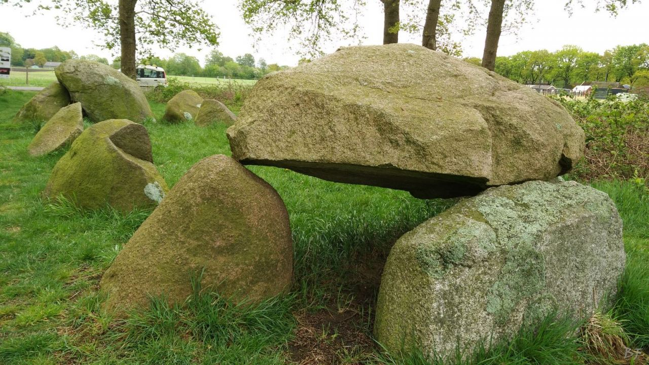 Hunebedden-Dolmen-Megaliti-Groeningen-Drenthe-Paesi-Bassi-103