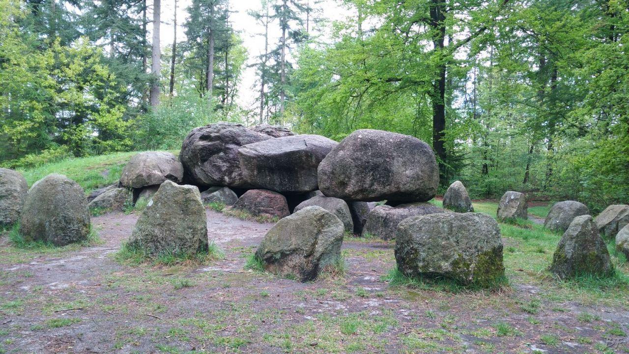 Hunebedden-Dolmen-Megaliti-Groeningen-Drenthe-Paesi-Bassi-116