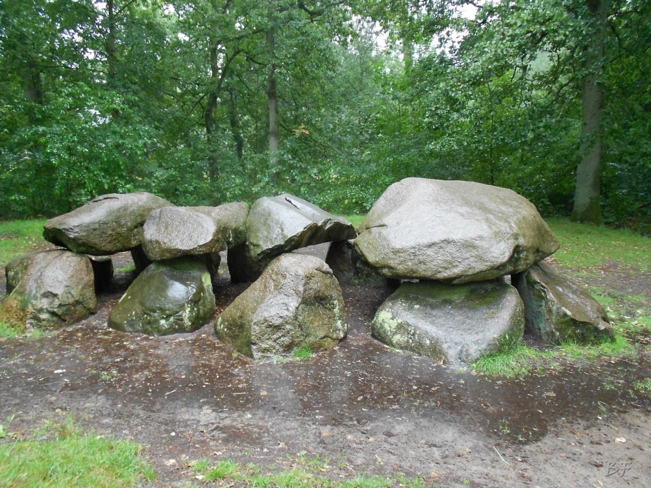 Hunebedden-Dolmen-Megaliti-Groeningen-Drenthe-Paesi-Bassi-19