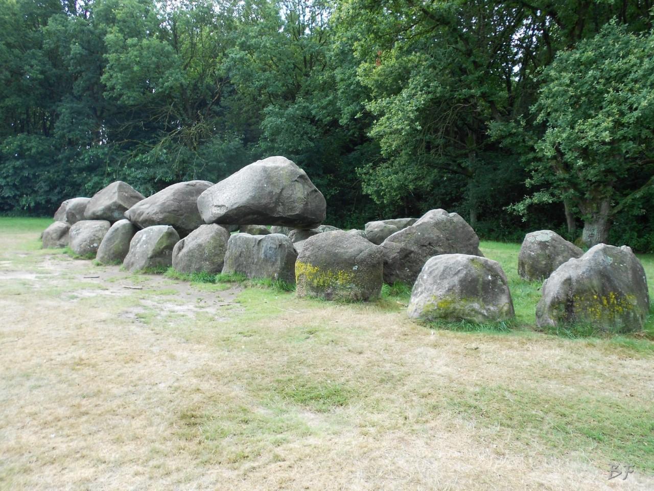 Hunebedden-Dolmen-Megaliti-Groeningen-Drenthe-Paesi-Bassi-39