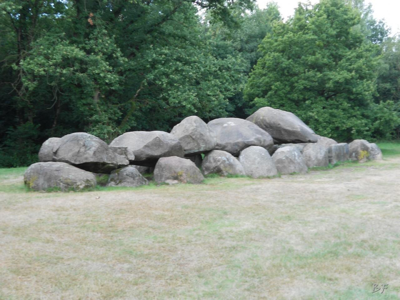 Hunebedden-Dolmen-Megaliti-Groeningen-Drenthe-Paesi-Bassi-43