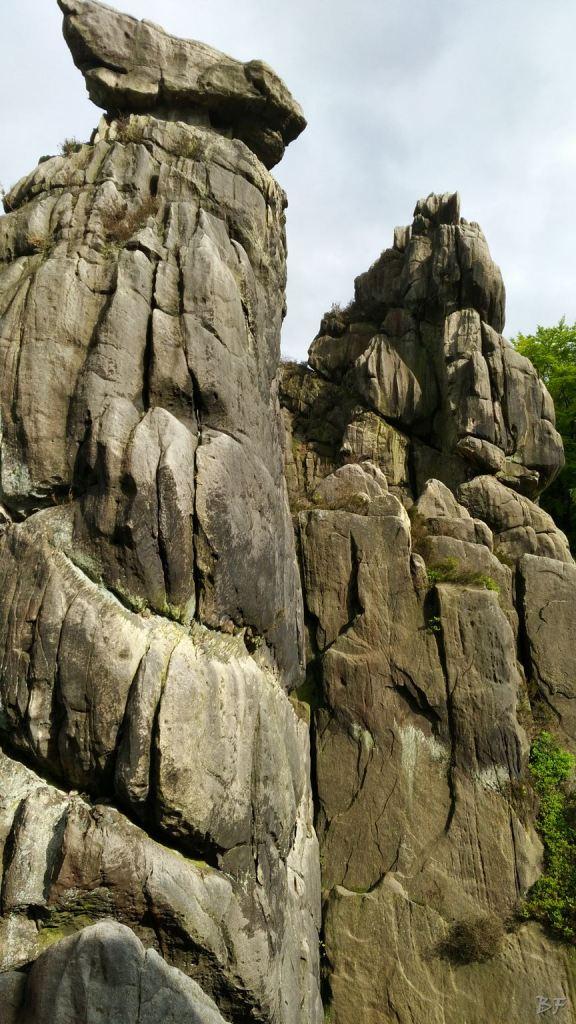 Externsteine-Insediamento-Rupestre-Megaliti-Nord-Renania-Vestfalia-Germania-3