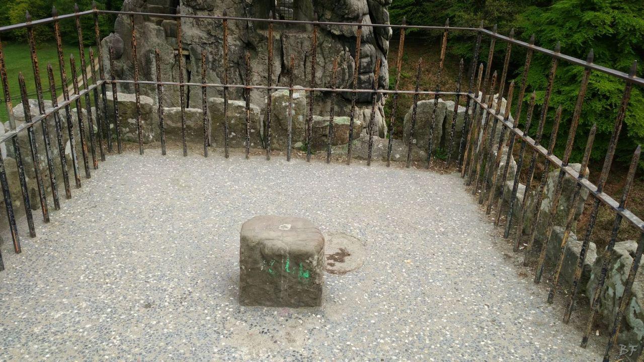 Externsteine-Insediamento-Rupestre-Megaliti-Nord-Renania-Vestfalia-Germania-30