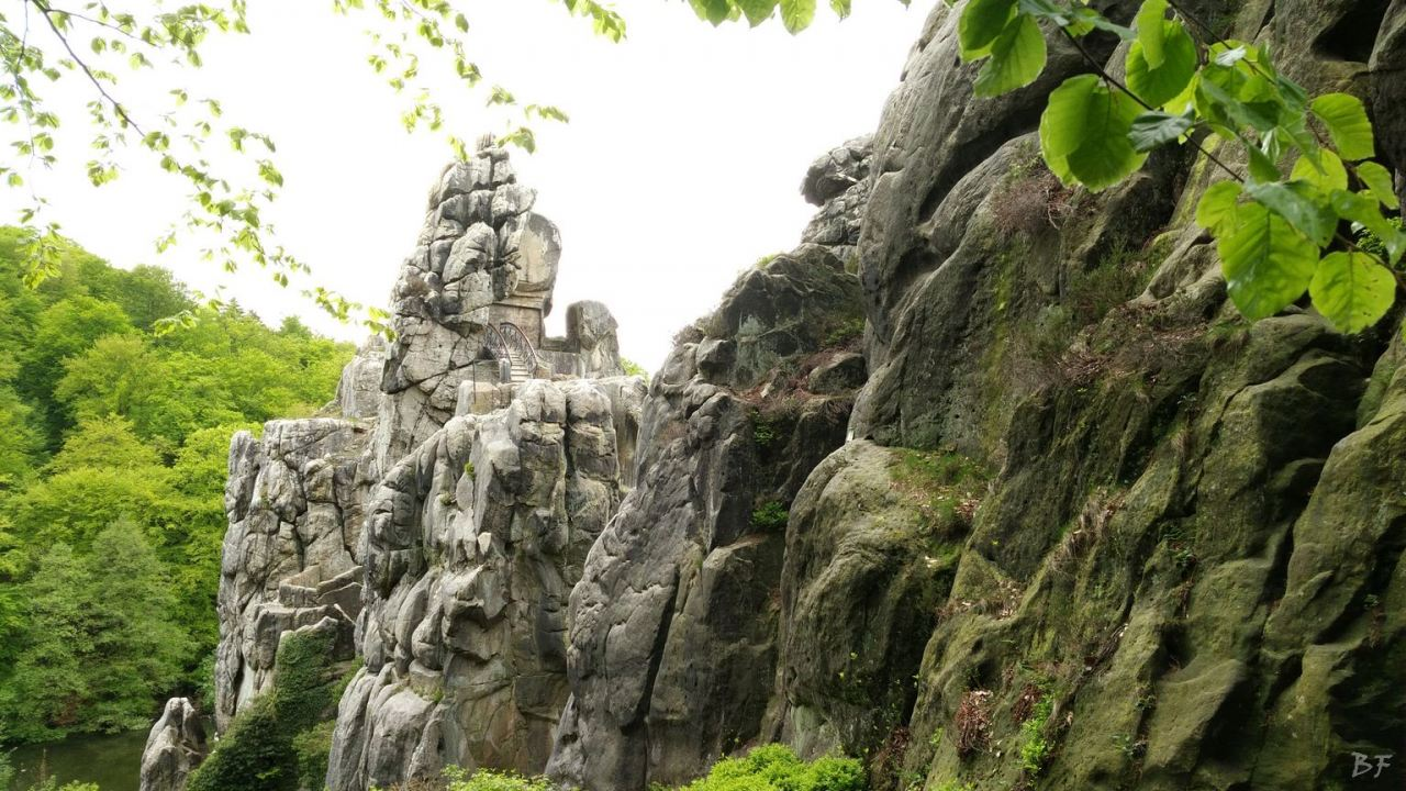 Externsteine-Insediamento-Rupestre-Megaliti-Nord-Renania-Vestfalia-Germania-43