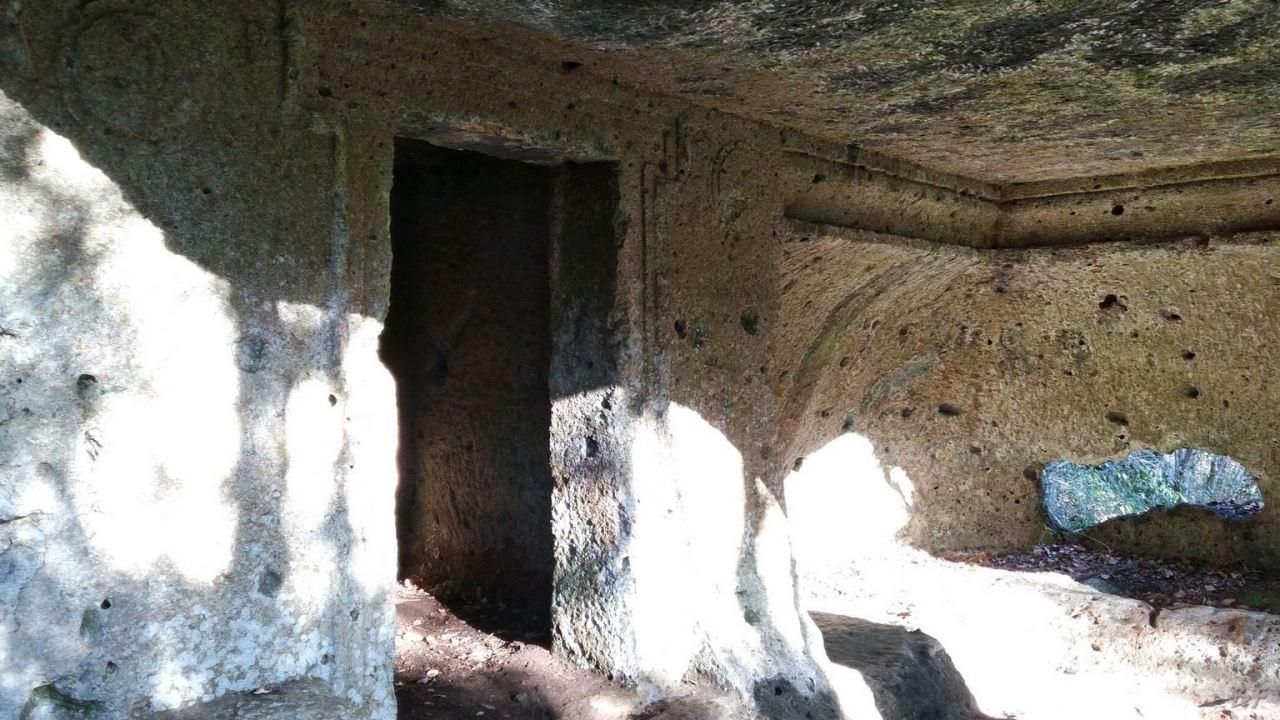 Falerii-Novi-Megaliti-Ipogei-Abitazioni-Rupestri-Viterbo-Lazio-Italia-2