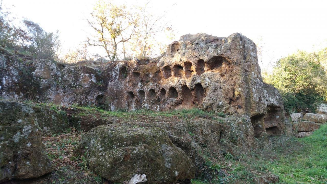 Falerii-Novi-Megaliti-Ipogei-Abitazioni-Rupestri-Viterbo-Lazio-Italia-20