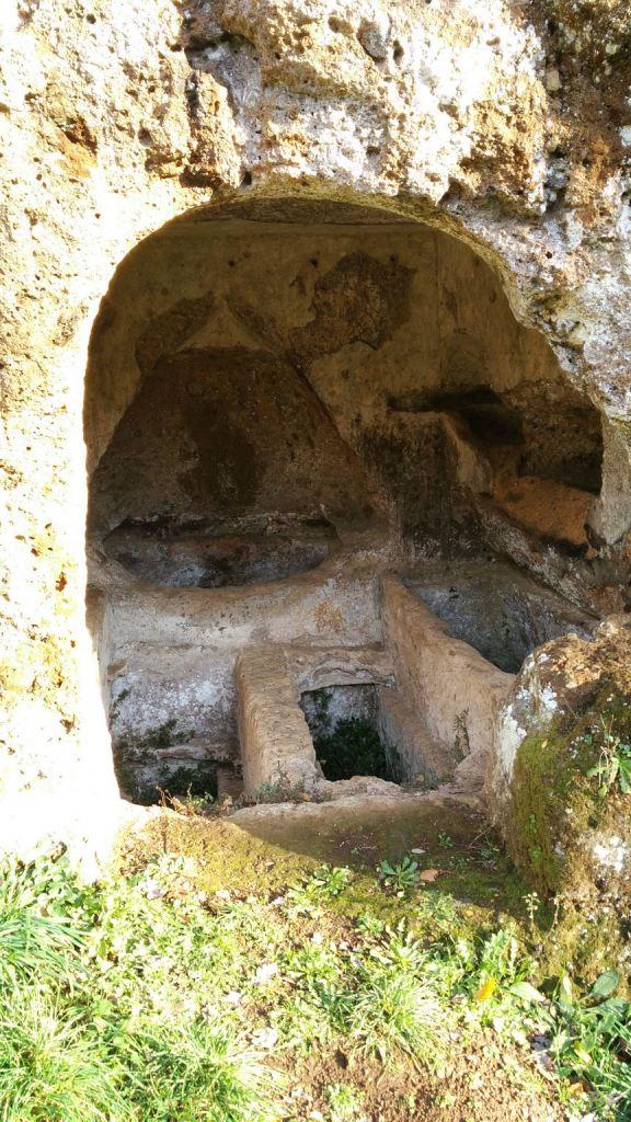 Falerii-Novi-Megaliti-Ipogei-Abitazioni-Rupestri-Viterbo-Lazio-Italia-23