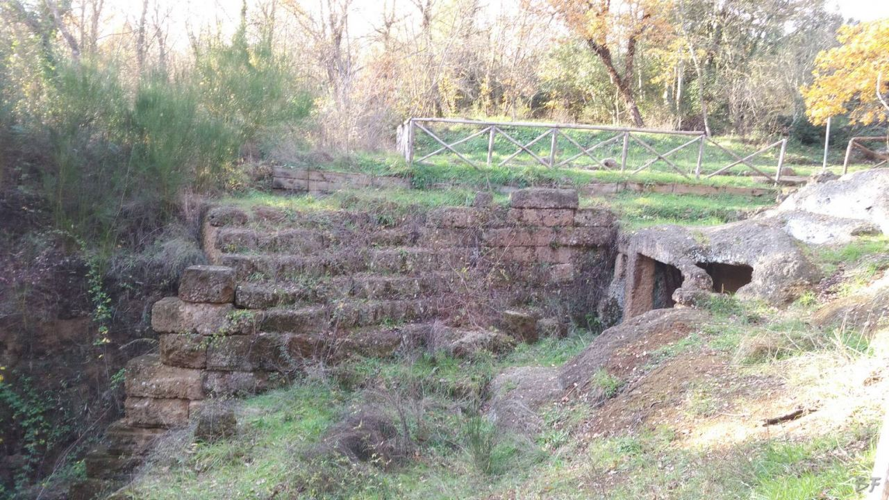 Falerii-Novi-Megaliti-Ipogei-Abitazioni-Rupestri-Viterbo-Lazio-Italia-42
