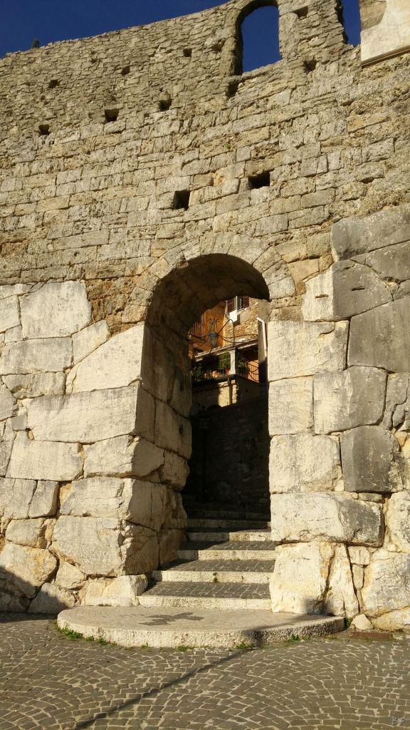 Ferentinum-Mura-Poligonali-Megalitiche-Ferentino-Frosinone-Lazio-Italia-14