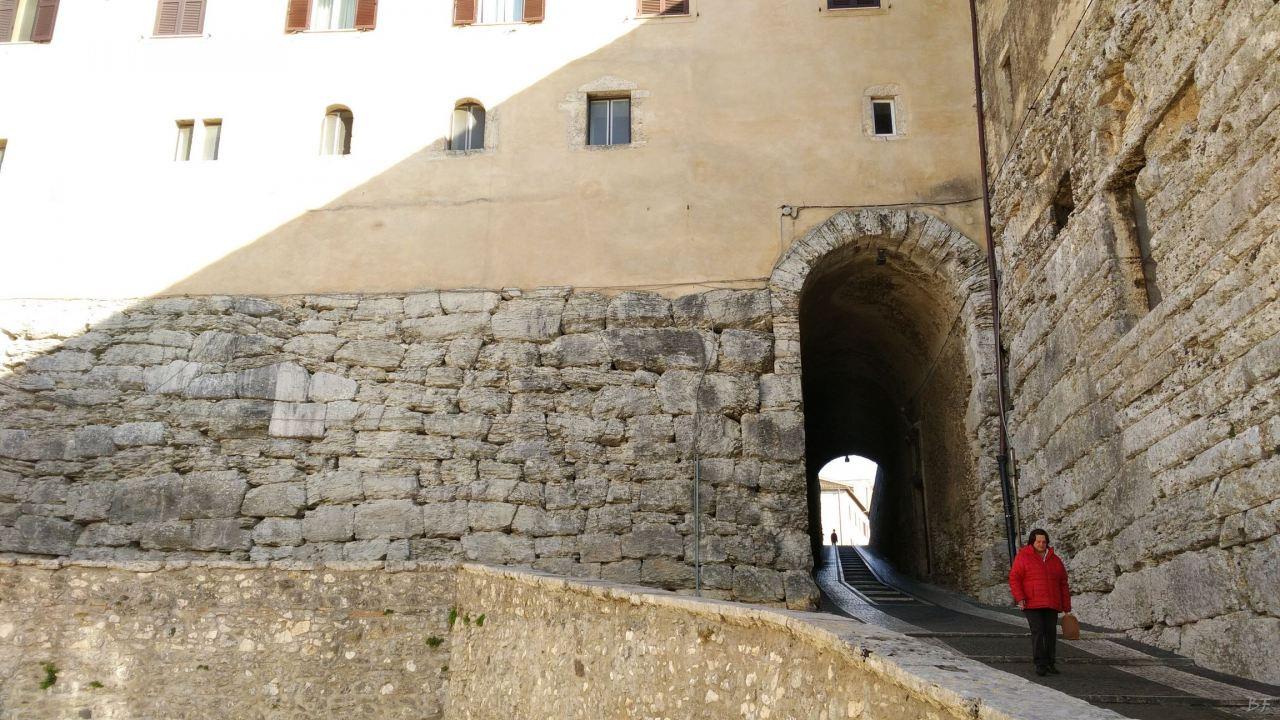 Ferentinum-Mura-Poligonali-Megalitiche-Ferentino-Frosinone-Lazio-Italia-20