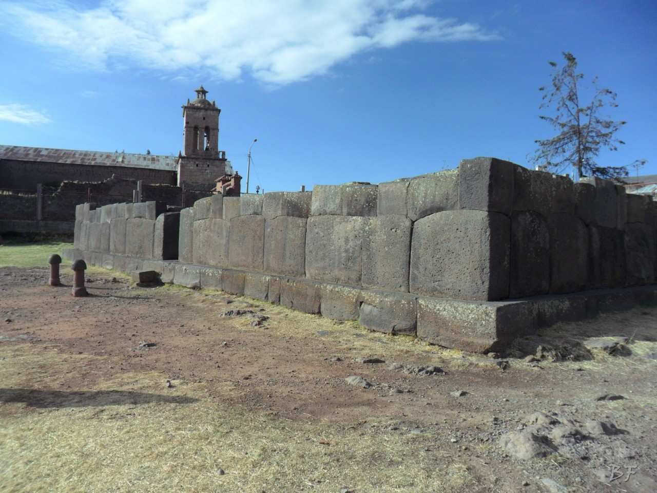Mura-Poligonali-Megaliti-Inca-Uyo-Puno-Perù-10