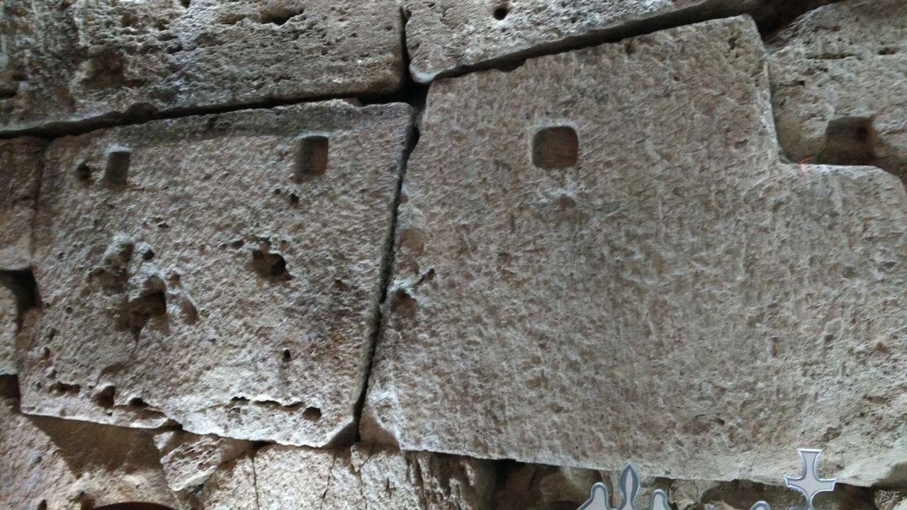 Isernia-Mura-Megalitiche-Poligonali-Italia-14
