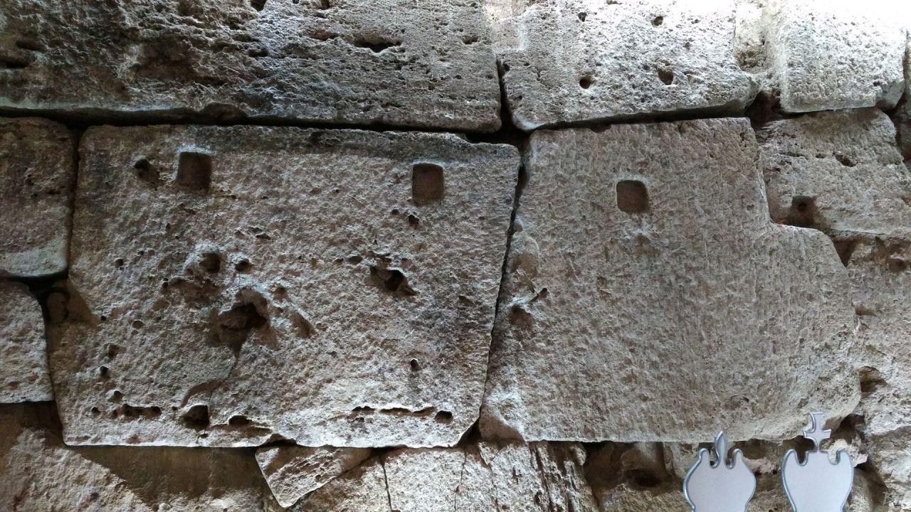 Isernia-Mura-Megalitiche-Poligonali-Italia-16