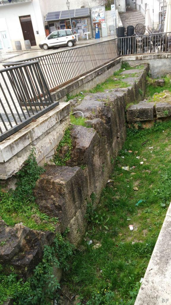 Isernia-Mura-Megalitiche-Poligonali-Italia-5
