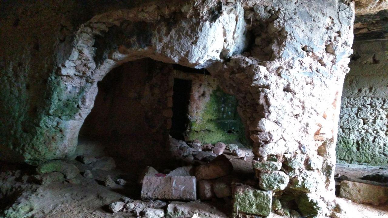 Insediamento-rupestre-Lamacornola-Ostuni-Brindisi-Salento-Puglia-Italia-10