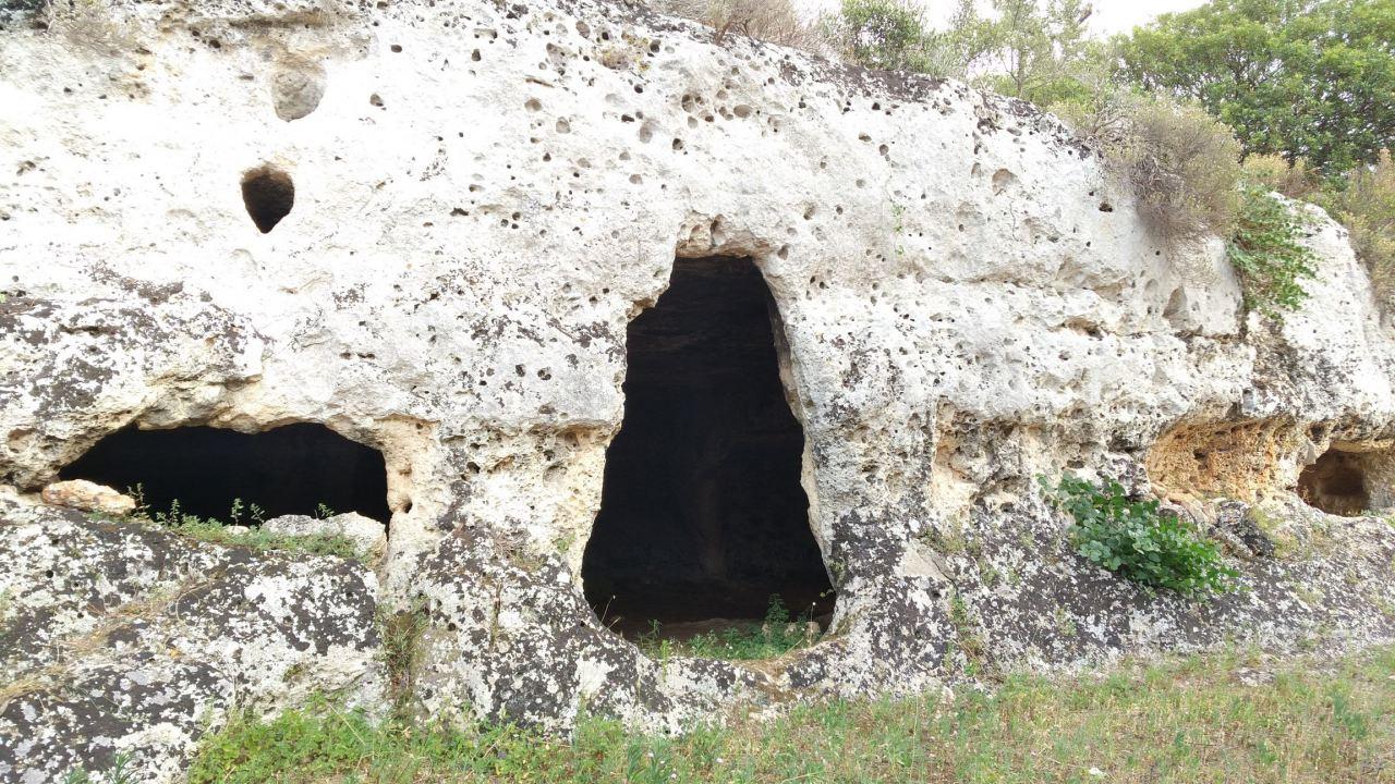 Insediamento-rupestre-Lamacornola-Ostuni-Brindisi-Salento-Puglia-Italia-2