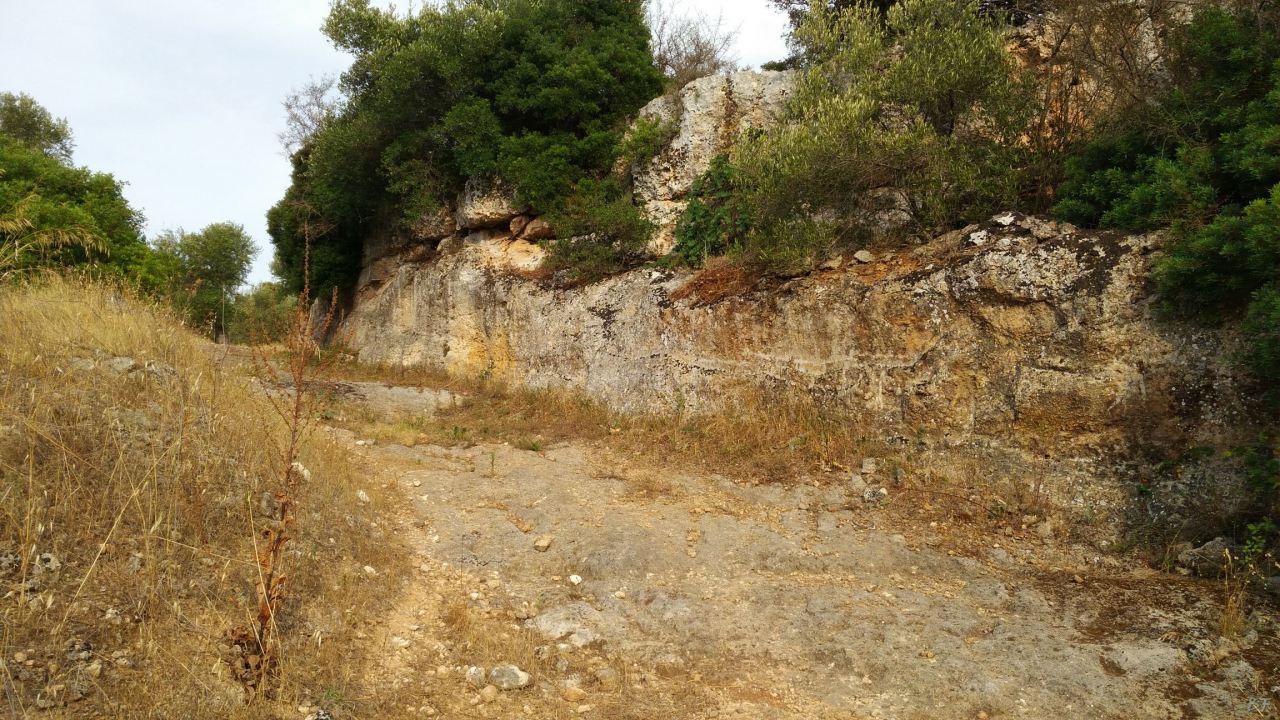 Insediamento-rupestre-Lamacornola-Ostuni-Brindisi-Salento-Puglia-Italia-3