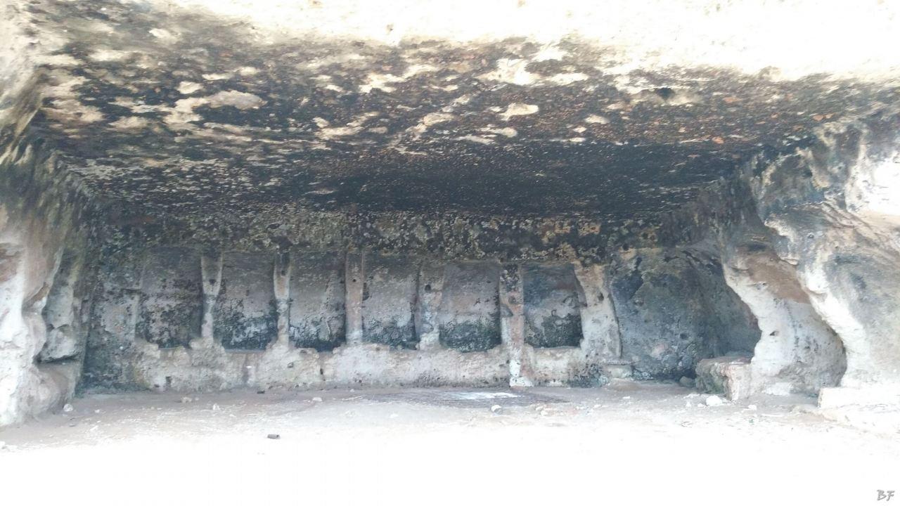 Insediamento-rupestre-Lamacornola-Ostuni-Brindisi-Salento-Puglia-Italia-6