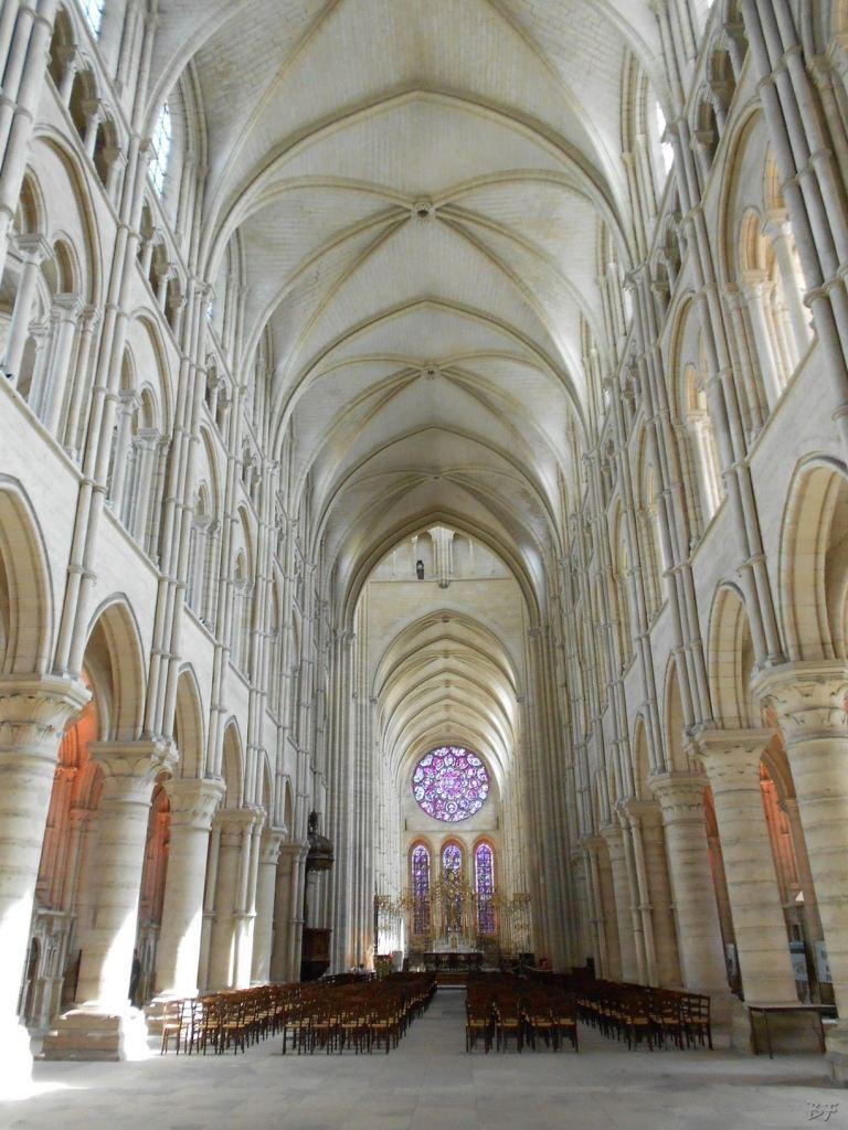 Cattedrale-Gotica-della-Vergine-di-Laon-Aisne-Hauts-de-France-32