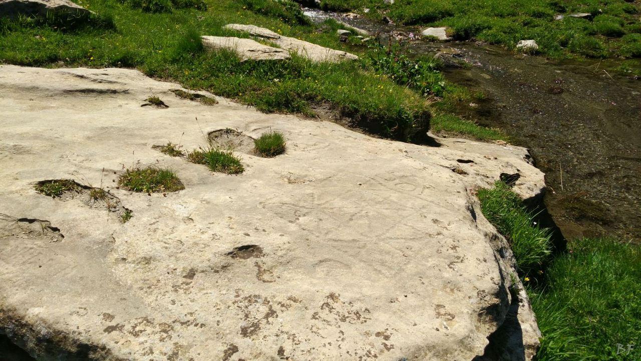 Incisioni-rupestri-Arcelle-Lanslebourg-Haute-Maurienne-Francia-13