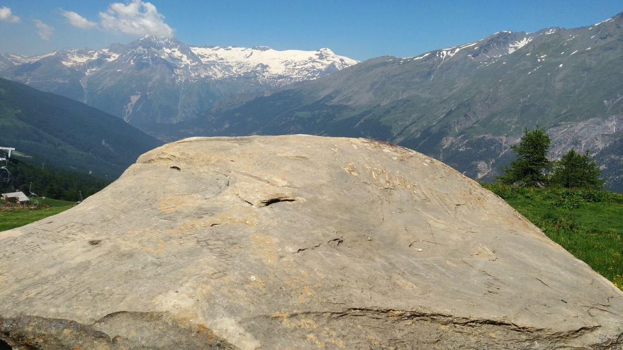 Incisioni-rupestri-Arcelle-Lanslebourg-Haute-Maurienne-Francia-18