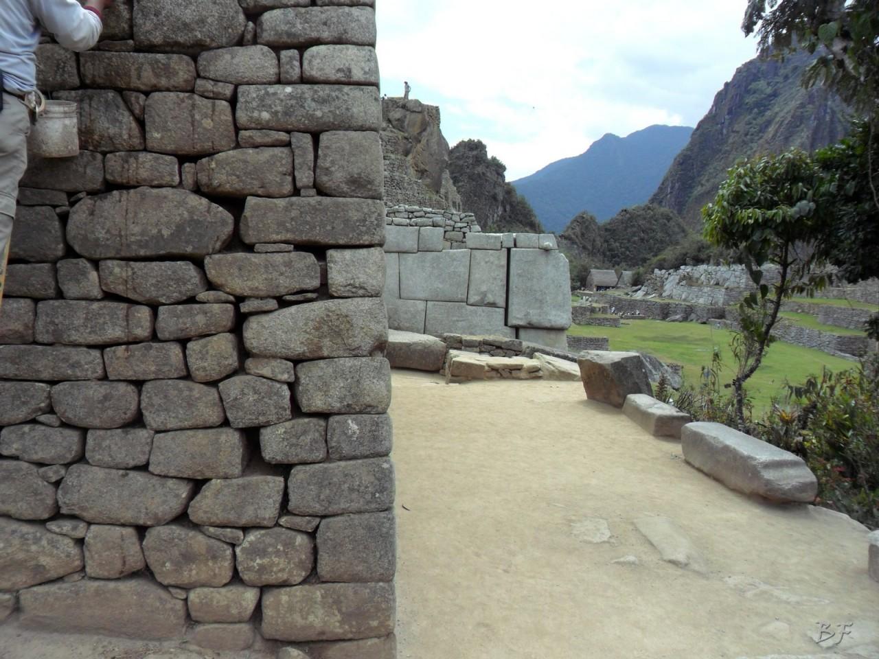 Mura-Poligonali-Incisioni-Altari-Edifici-Rupestri-Megaliti-Machu-Picchu-Aguas-Calientes-Urubamba-Cusco-Perù-100