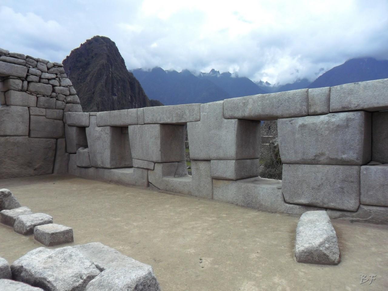 Mura-Poligonali-Incisioni-Altari-Edifici-Rupestri-Megaliti-Machu-Picchu-Aguas-Calientes-Urubamba-Cusco-Perù-103
