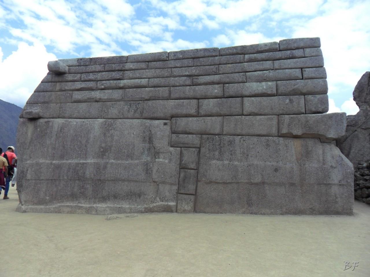 Mura-Poligonali-Incisioni-Altari-Edifici-Rupestri-Megaliti-Machu-Picchu-Aguas-Calientes-Urubamba-Cusco-Perù-104