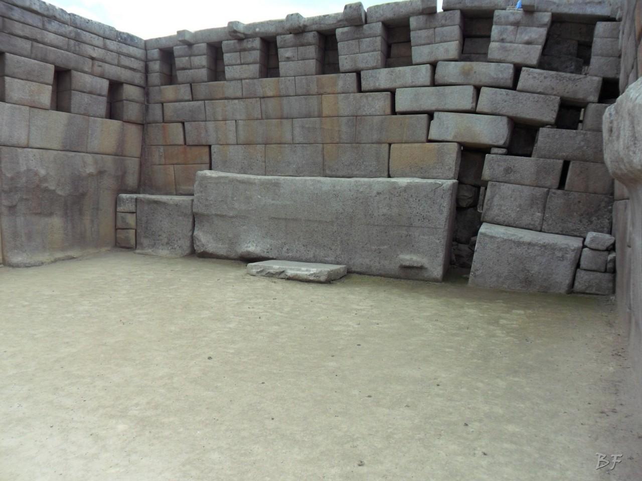 Mura-Poligonali-Incisioni-Altari-Edifici-Rupestri-Megaliti-Machu-Picchu-Aguas-Calientes-Urubamba-Cusco-Perù-108