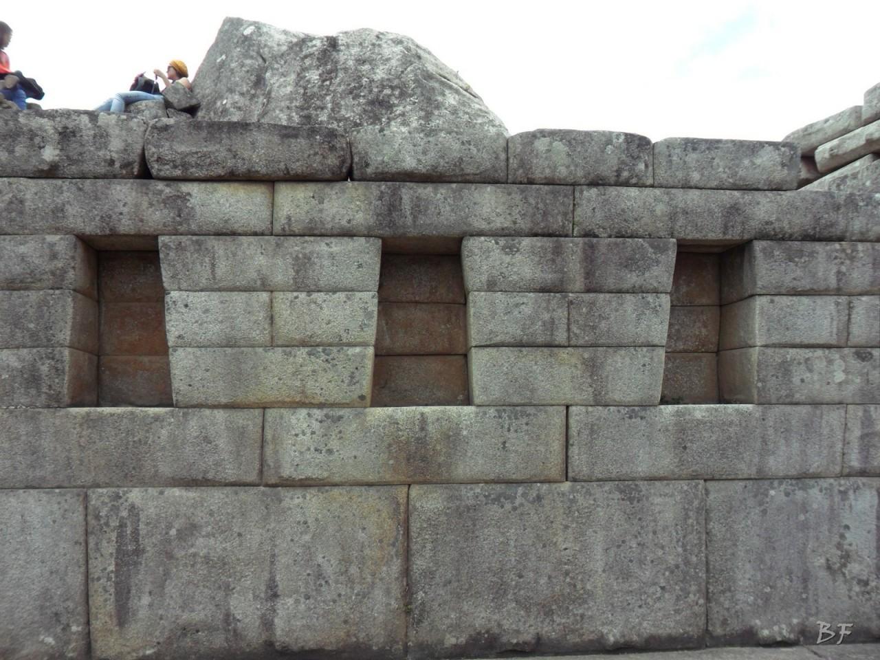 Mura-Poligonali-Incisioni-Altari-Edifici-Rupestri-Megaliti-Machu-Picchu-Aguas-Calientes-Urubamba-Cusco-Perù-111