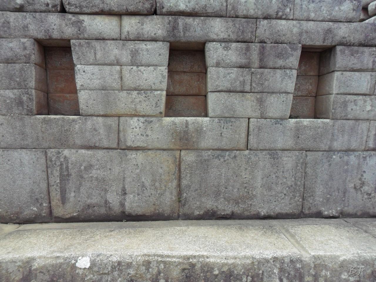 Mura-Poligonali-Incisioni-Altari-Edifici-Rupestri-Megaliti-Machu-Picchu-Aguas-Calientes-Urubamba-Cusco-Perù-112