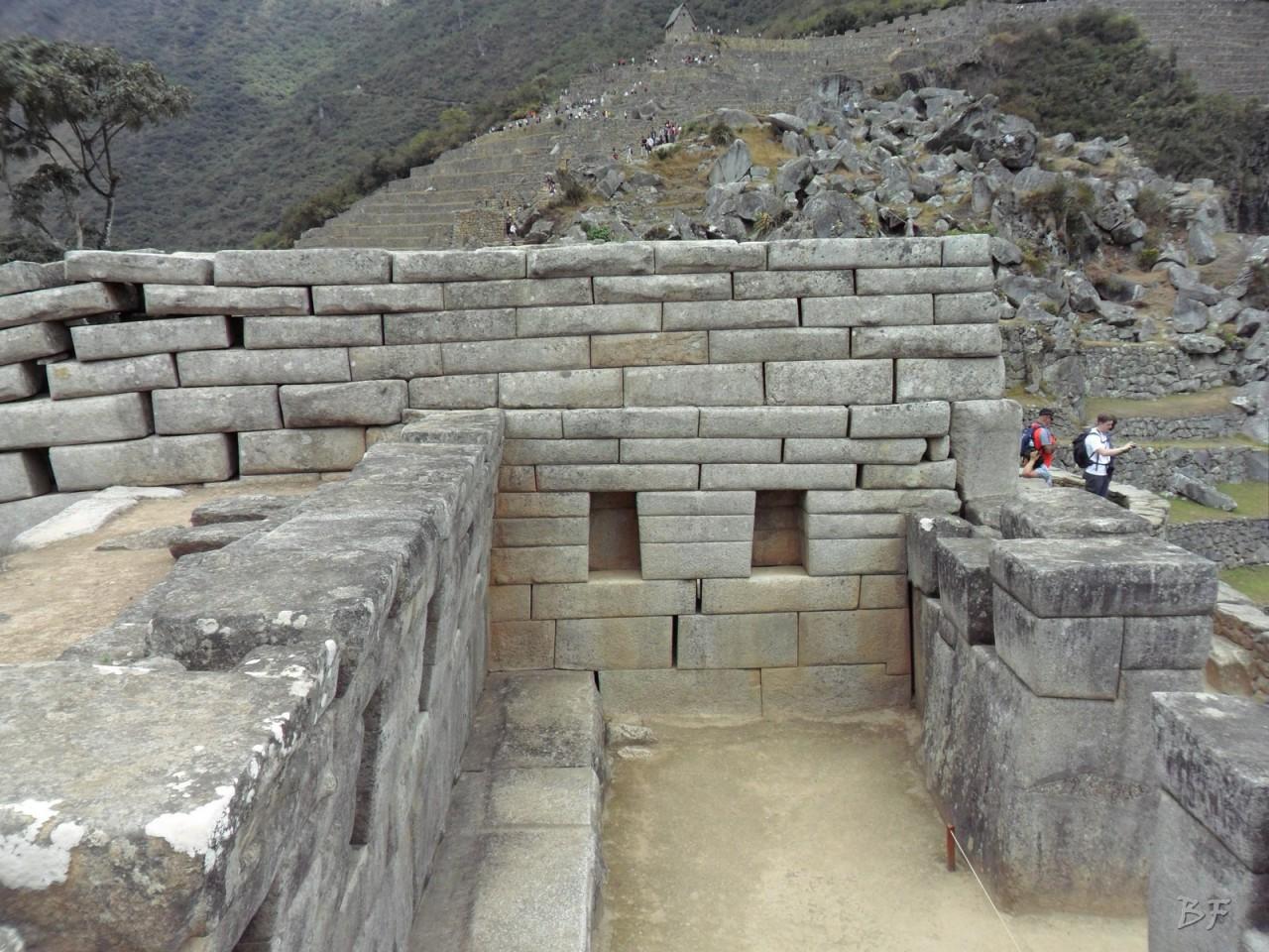 Mura-Poligonali-Incisioni-Altari-Edifici-Rupestri-Megaliti-Machu-Picchu-Aguas-Calientes-Urubamba-Cusco-Perù-114