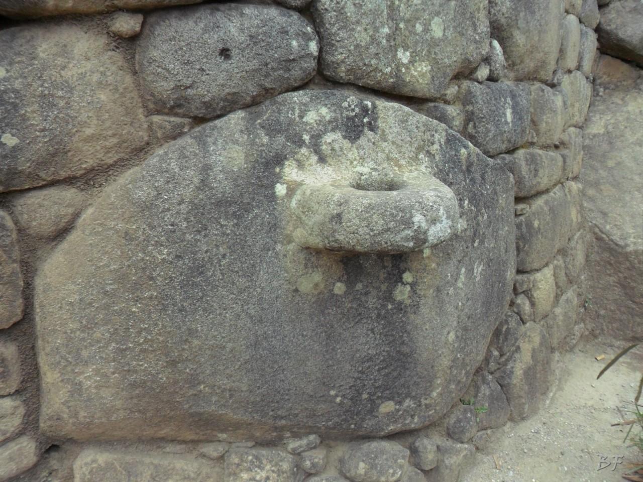 Mura-Poligonali-Incisioni-Altari-Edifici-Rupestri-Megaliti-Machu-Picchu-Aguas-Calientes-Urubamba-Cusco-Perù-117
