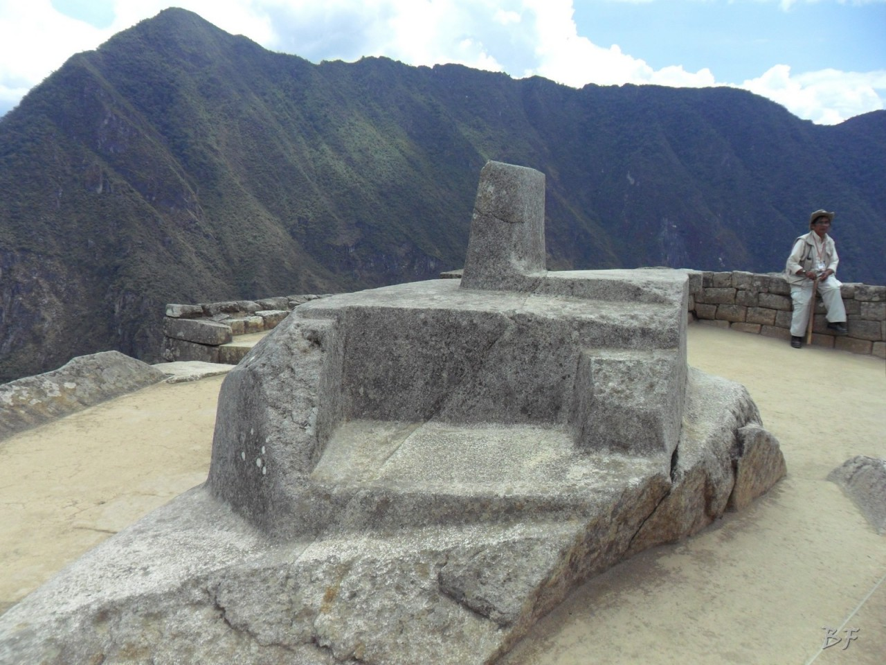 Mura-Poligonali-Incisioni-Altari-Edifici-Rupestri-Megaliti-Machu-Picchu-Aguas-Calientes-Urubamba-Cusco-Perù-120