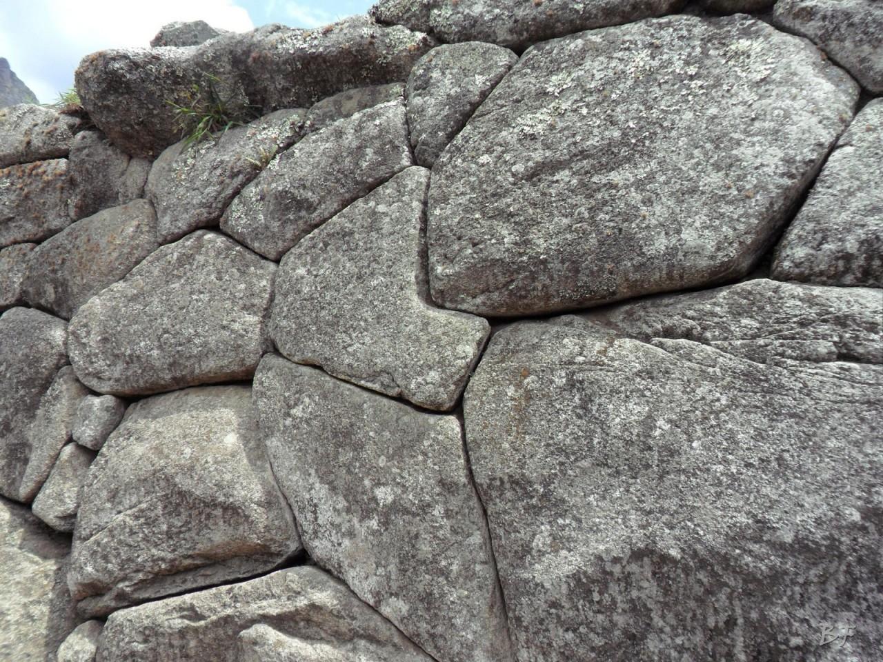Mura-Poligonali-Incisioni-Altari-Edifici-Rupestri-Megaliti-Machu-Picchu-Aguas-Calientes-Urubamba-Cusco-Perù-130