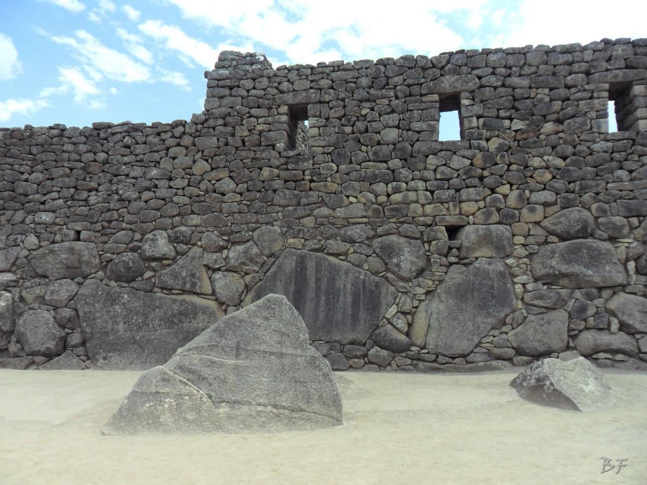 Mura-Poligonali-Incisioni-Altari-Edifici-Rupestri-Megaliti-Machu-Picchu-Aguas-Calientes-Urubamba-Cusco-Perù-132